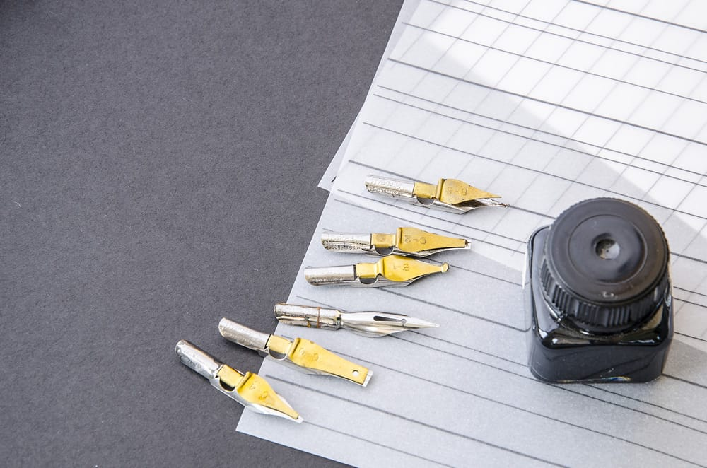 How to Fill a Calligraphy Pen Nib - scribesandcrafts